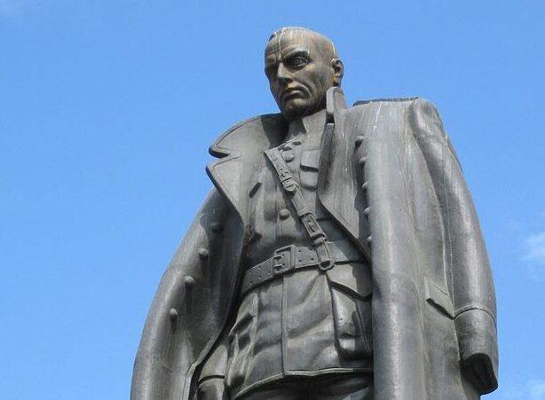 Pomnik admirała Kołczaka w Irkucku