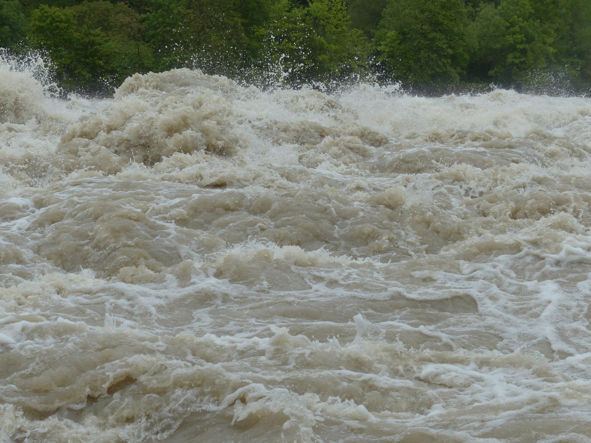 Powodzie w zachodniej części Ukrainy. Ponad 500 budynków pod wodą.