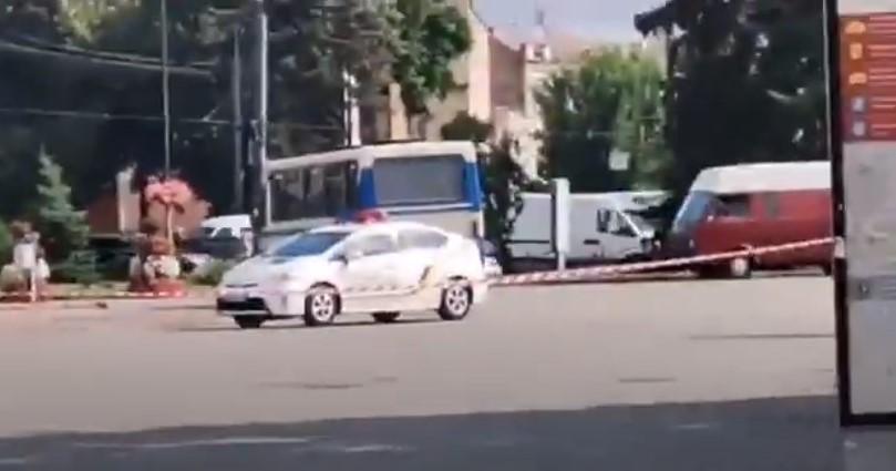 Wołyń: Uzbrojony mężczyzna porwał autobus w centrum Łucka