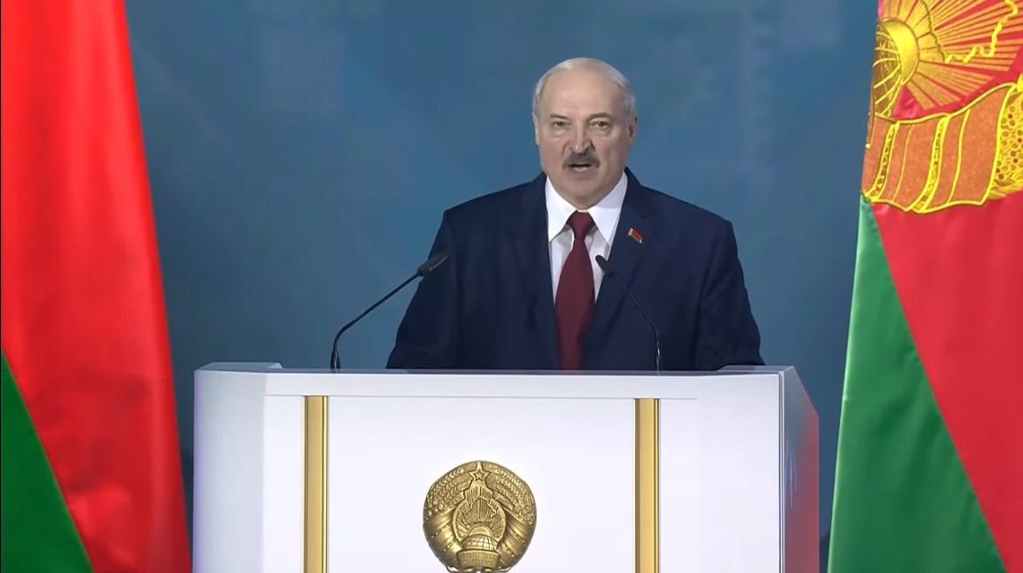 """""""Nasza planeta stacza się w przepaść, a Białoruś to zacisze w centrum Eurazji"""" – Łukaszenka tłumaczy świat"""
