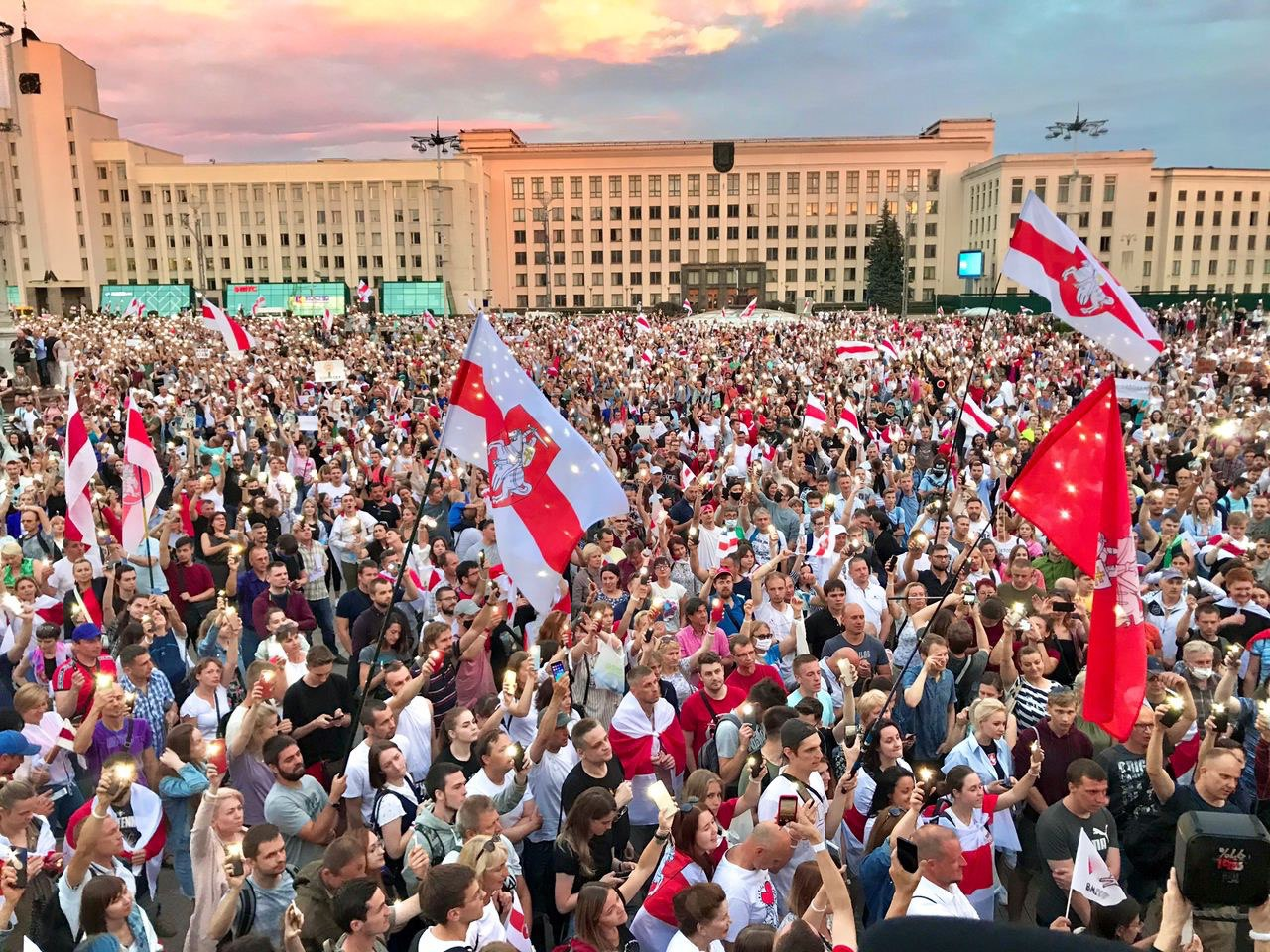 Wojna wieców, Grodno zezwala na protesty i początek prac Rady Koordynacyjnej