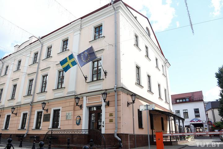 Białorusini proszą o azyl polityczny w ambasadzie Szwecji