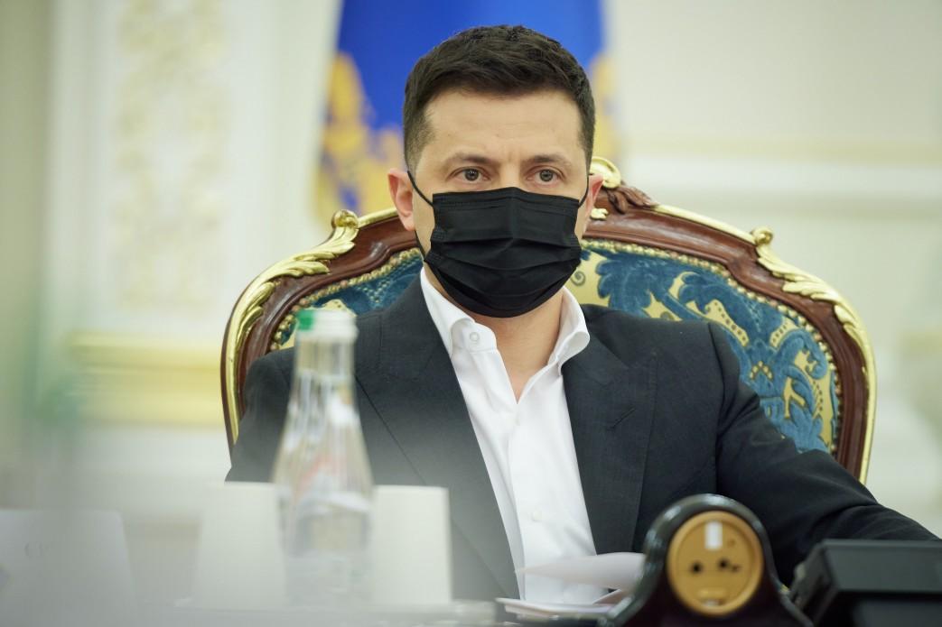 Zełenski nałożył sankcje na rosyjskie firmy i francuskich europosłów