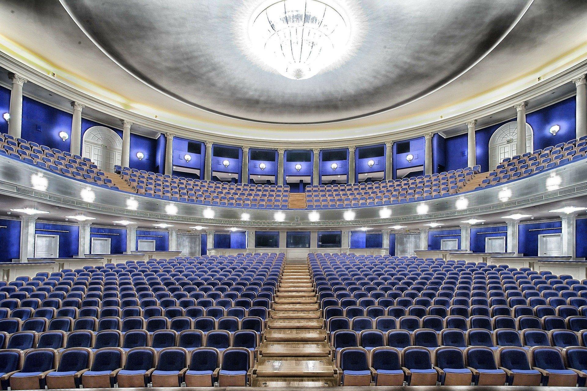 """Rosja znalazła sposób na covid w kulturze. Otwiera """"wirtualne sale koncertowe"""""""