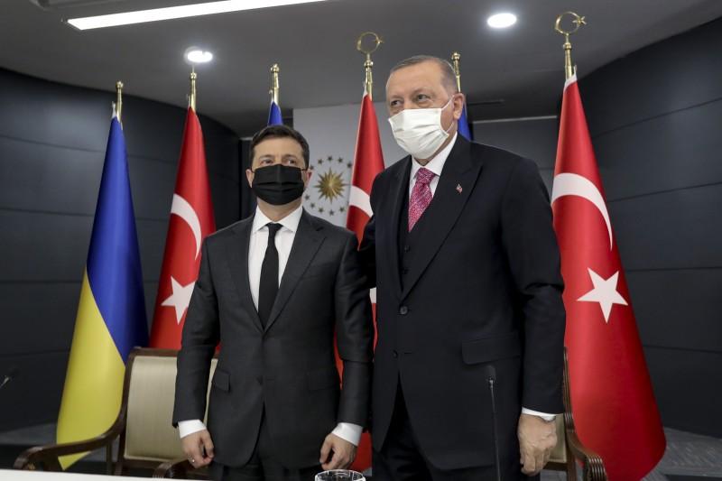 Zełenski z wizytą w Stambule. Omówił z Erdoganem kwestie bezpieczeństwa