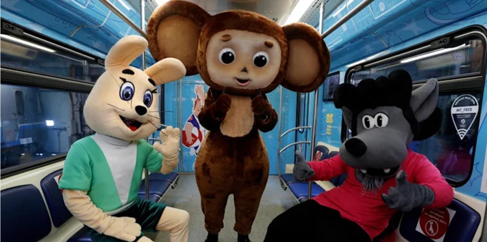 Wilk i Zając, Czeburaszka i inni bohaterowie najsłynniejszych rosyjskich kreskówek na wagonach moskiewskiego metra