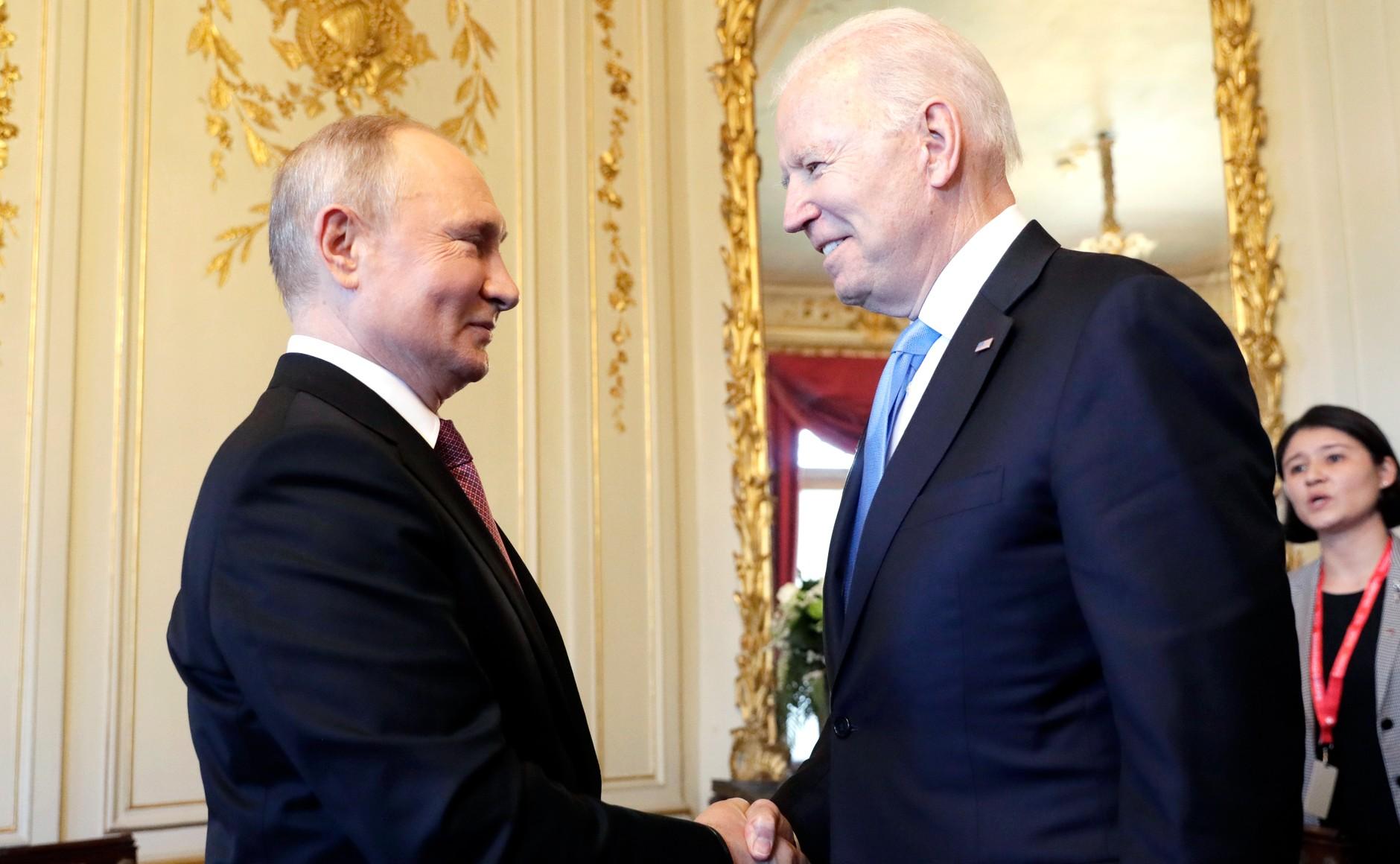 Konferencja prasowa Putina po spotkaniu z Joe Bidenem. O czym rozmawiali?