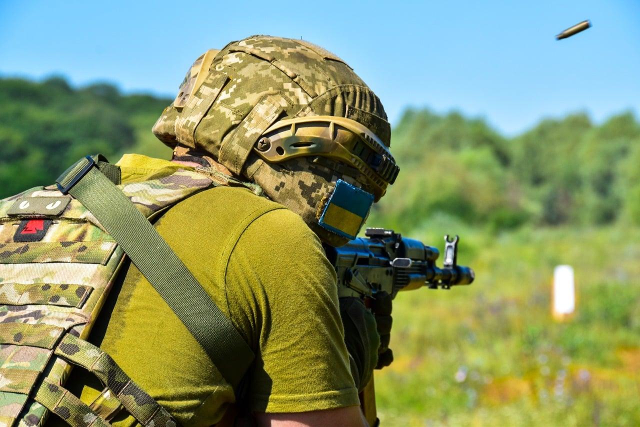 Dwaj żołnierze Ukrainy ranni w Donbasie