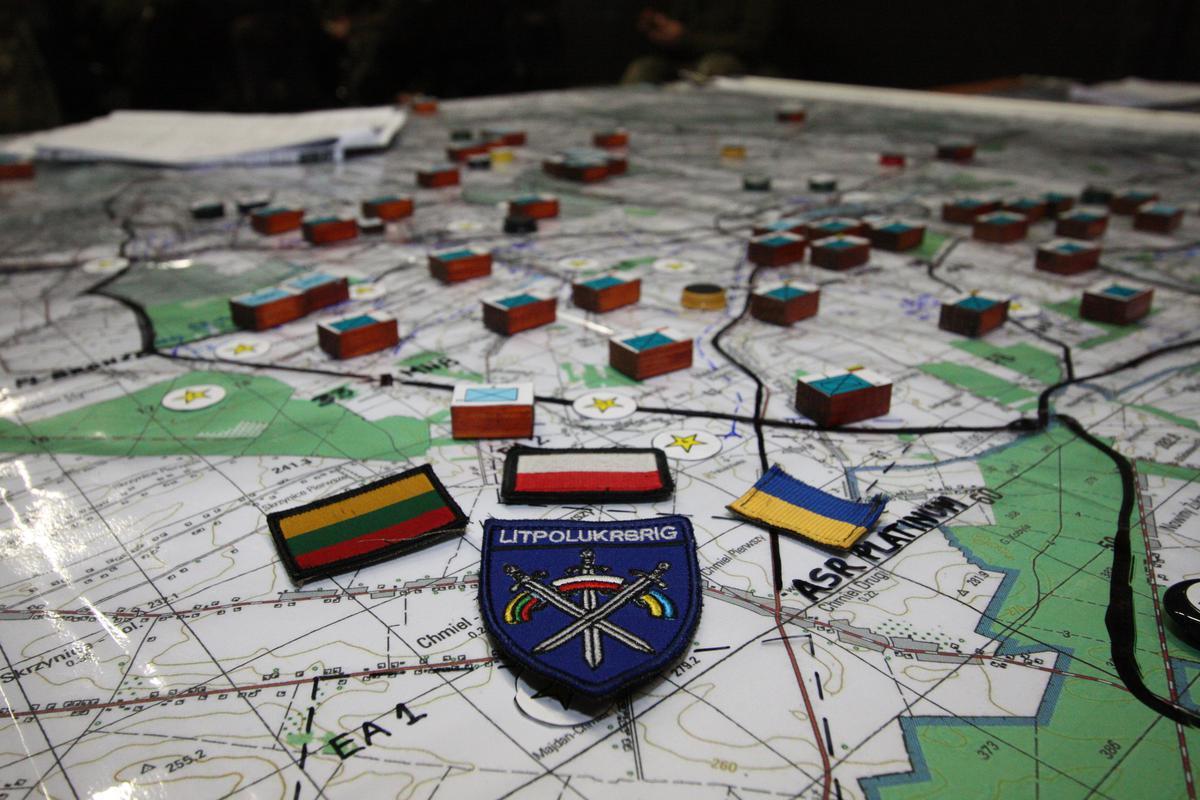 """Na Ukrainie rozpoczęły się manewry wojskowe """"Trzy miecze"""""""
