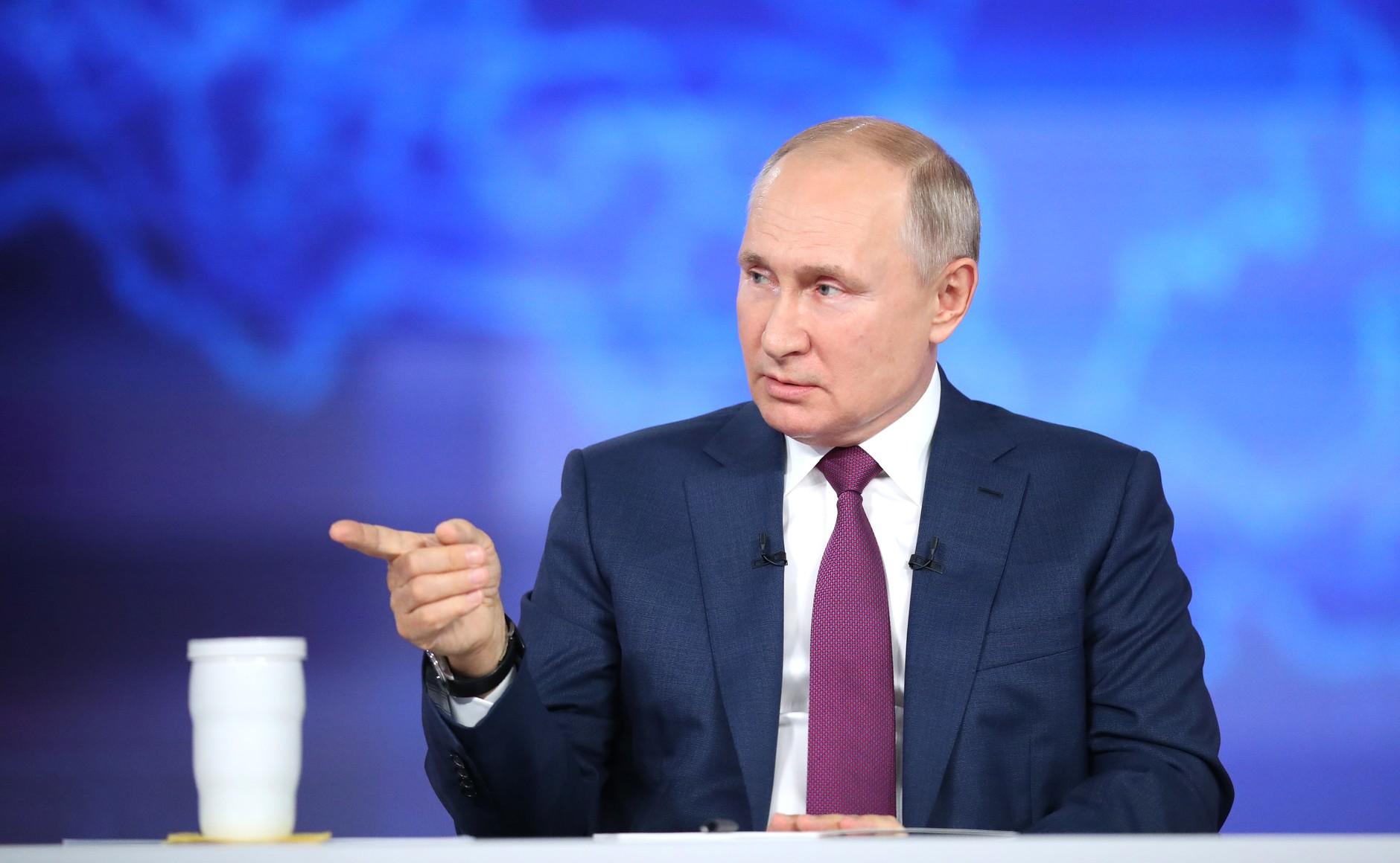 Putin rozmawiał z Macronem o Afganistanie i Ukrainie