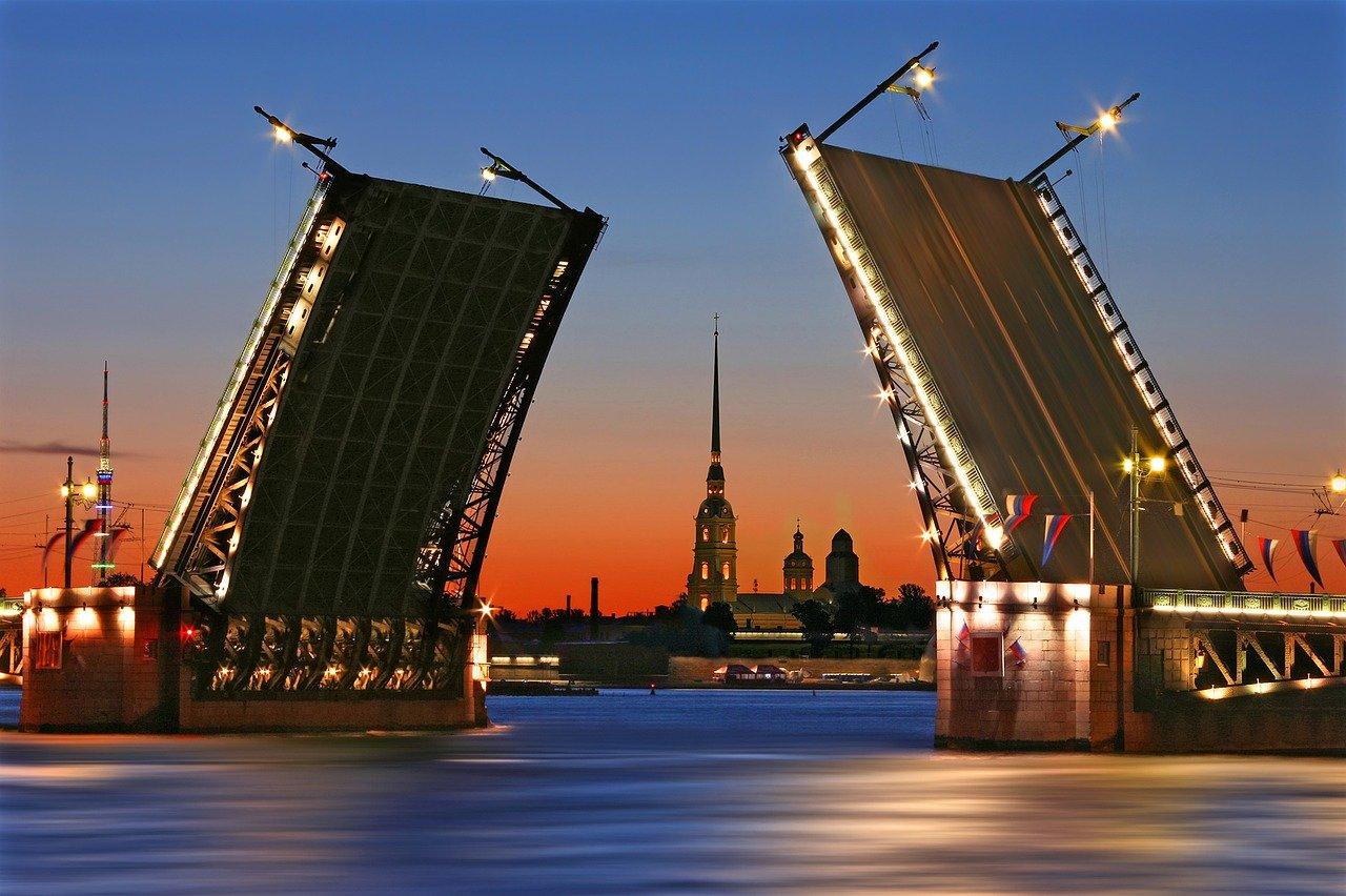 Sankt Petersburg przedłuża obostrzenia covidowe. Od 13 lipca zakaz imprez sportowych z kibicami
