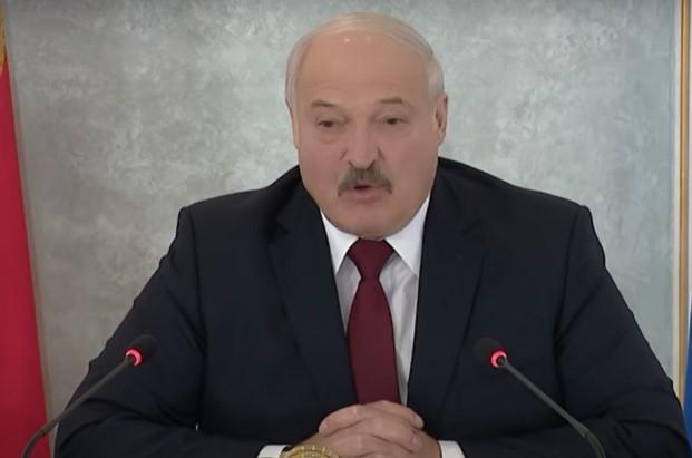 Łukaszenka zrzuca winę na Polskę za kryzys z uchodźcami na granicy z Białorusią