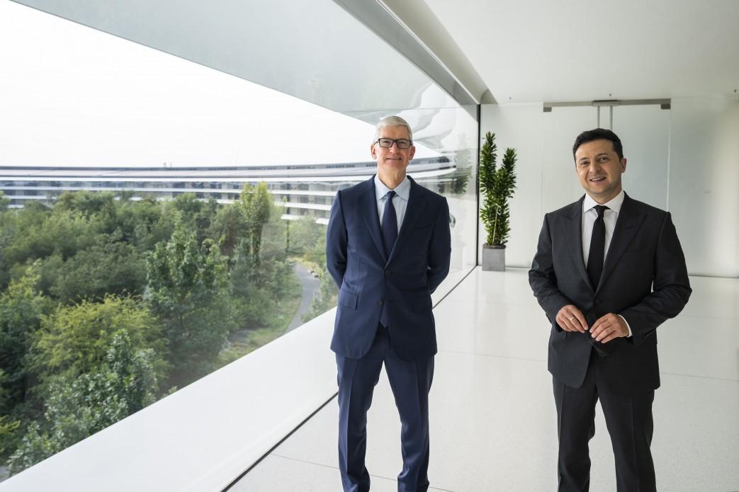 Zełenski spotkał się z szefem Apple